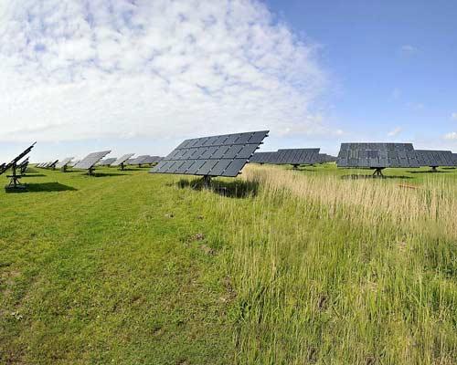 نیروگاه برق خورشیدی با استراکچر فلزی قابل ردیاب خورشیدی