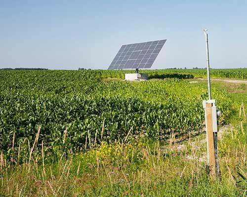 کفکش خورشیدی با پنل های خورشیدی 220 ولت