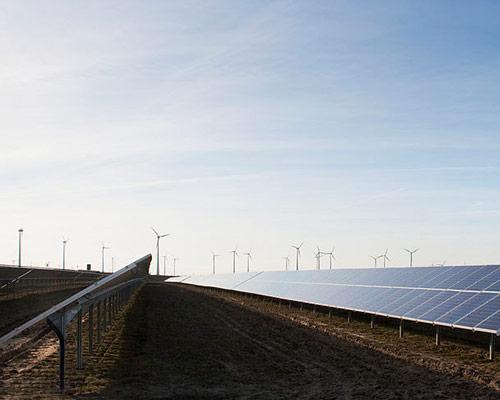 پنل خورشیدی و انرژی تجدید پذیر
