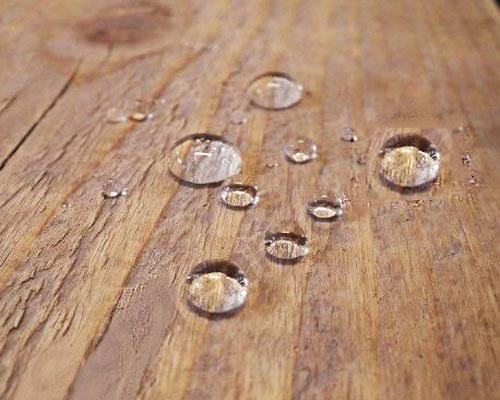 پوشش ضد آب چوب به منظور مقاومت در برابر پوسیدگی و رشد قارچ در سطح چوب