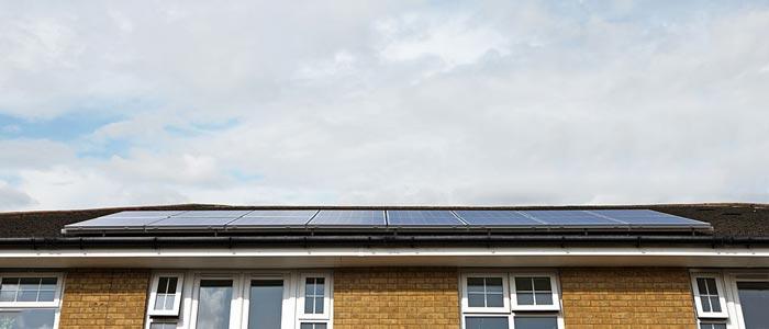 کلکتور خورشیدی در پشت بام