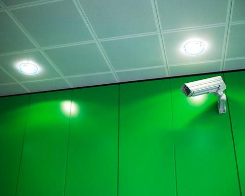 دوربین مدار بسته در سیستم های برق پشتیبان یو پی اس
