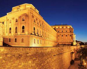 نورپردازی نمای ساختمان های تاریخی