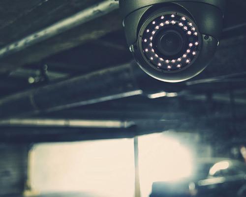 دوربین مدار بسته با قابلبیت دید در شب یا مادون قرمز