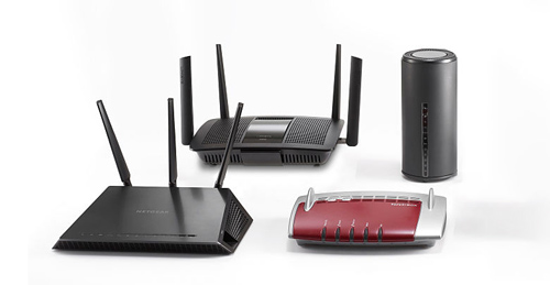 4 _ 8 سوئیچ پورت برای LAN برای ایجاد شبکه داخلی آدرس شبکه ای NAT ( مترجم ) برای اختصاص دادن یک مجموعه ای از IP ( ادرس شخصی به دستگاه ) در داخل شبکه . و برای ارتباط خارج از شبکه با استفاده از ISP ها به اینرنت متصل می کند.