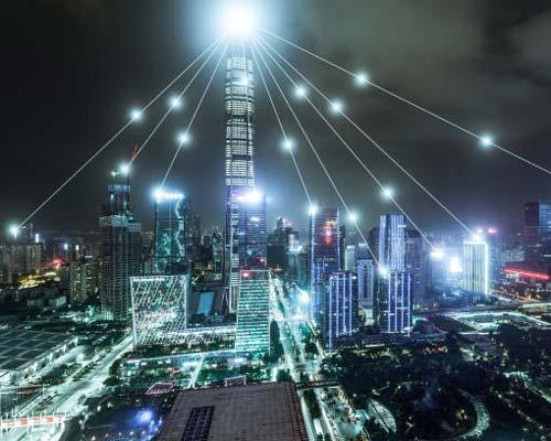 شبکه کامپیوتری با استفاده از سرور می تواند یک شهر و چندین ساختمان را مدیریت کند
