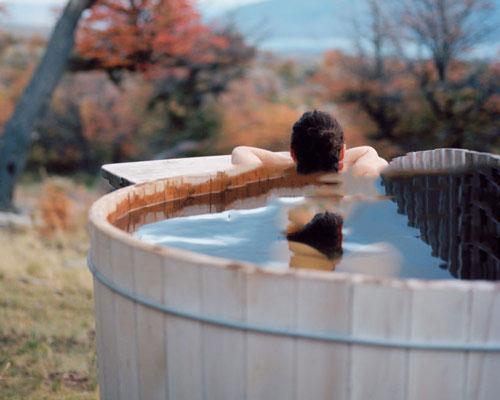 مخزن اتوماتیک حوضچه آب داغ ساخته شده از چوب و عملکرد مشابه جکوزی