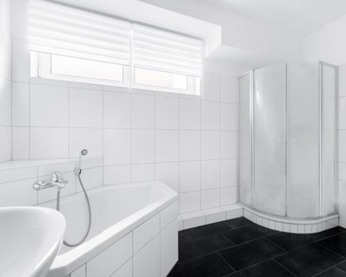 بکار گیری شیشه هوشمند مات شونده در کابین شیشه ای حمام و جداسازی فضای دوش از سرویس