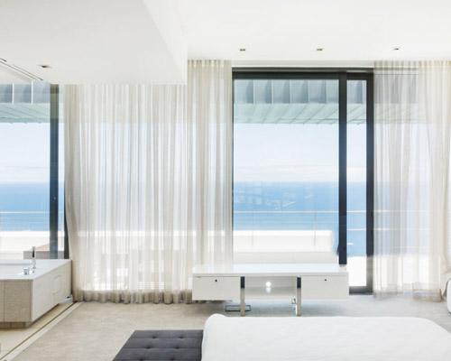 بیشترین میزان نور و روشنایی با استفاده از پارچه توری از انواع پرده پذیرایی
