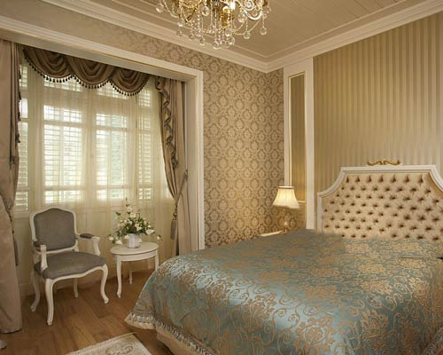 نصب انواع پرده پنجره به همراه متعلقات و آویز های تزئینی شامل والان ، آویز و شرابه پرده جمع کن در پرده اتاق خواب
