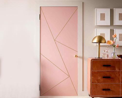 در اتاق از انواع درب داخلی