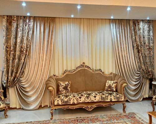 مجموعه کامل نصب پرده در شیراز شامل پرده طرح دار ، پارچه ساتن ساده ، پارچه تور لایه زیرین و پرده جمع کن