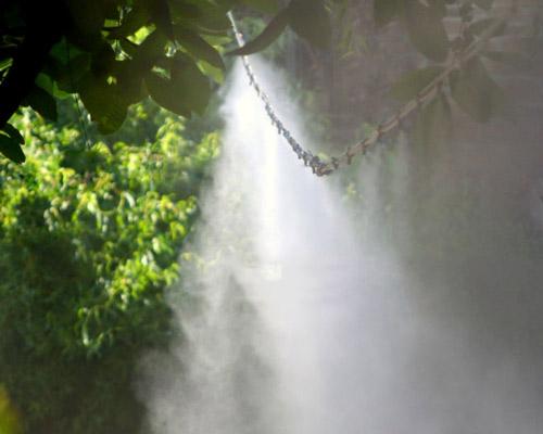مه پاش باغ ( سیستم رطوبت ساز باغ )