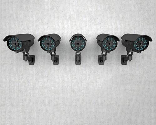 دوربين هاي بولتبيسيم ديد در شب نصب شده با براکت