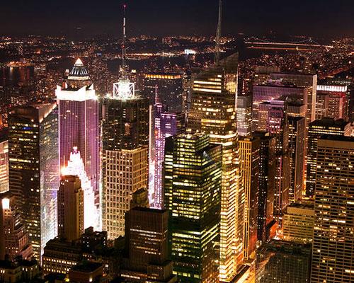 از اقدامات متداول در بازسازي ساختاري مي توان به نوسازي ساختمان هاي بلند مرتبه در مراکز شهرهاي بزرگ اشاره کرد