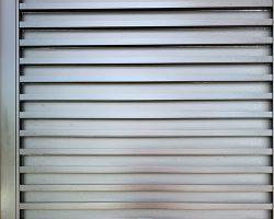 نما و رنگ منحصر به فرد درب استیل ورودی ساختمان دارای انیت فوق العاده