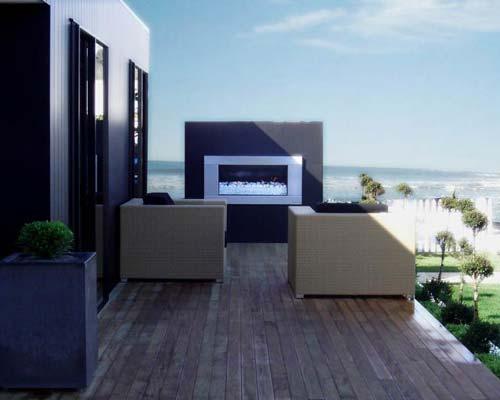 شومینه فضای باز در کنار دریا در حیاط خانه