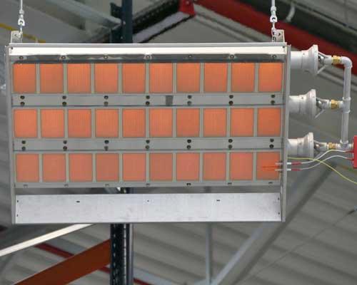 هیتر تابشی ساخته شده با سرامیک که با گاز کار می کند نشان داده شده است