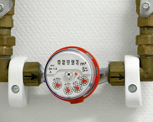 دستگاه انرژی میتر نصب شده روی لوله